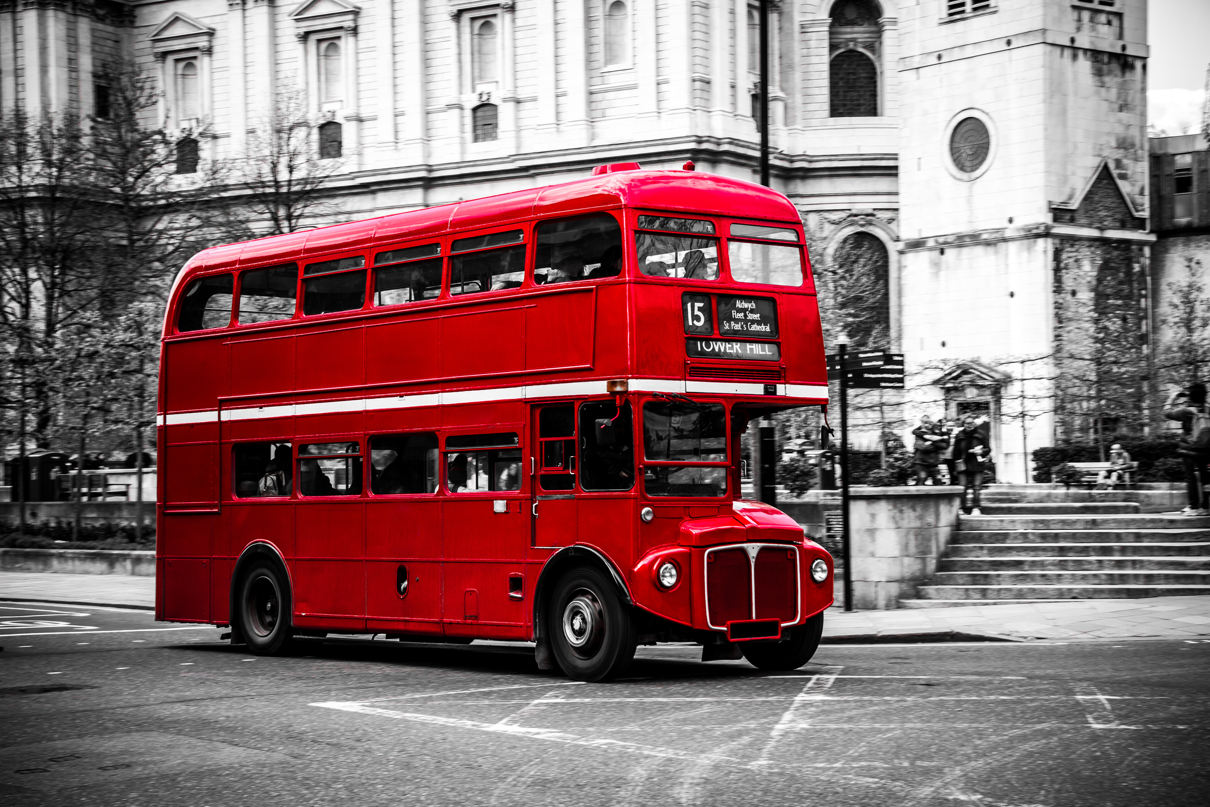 Theatrical London Tour Onboard A 1960s Bus Best Value Tours